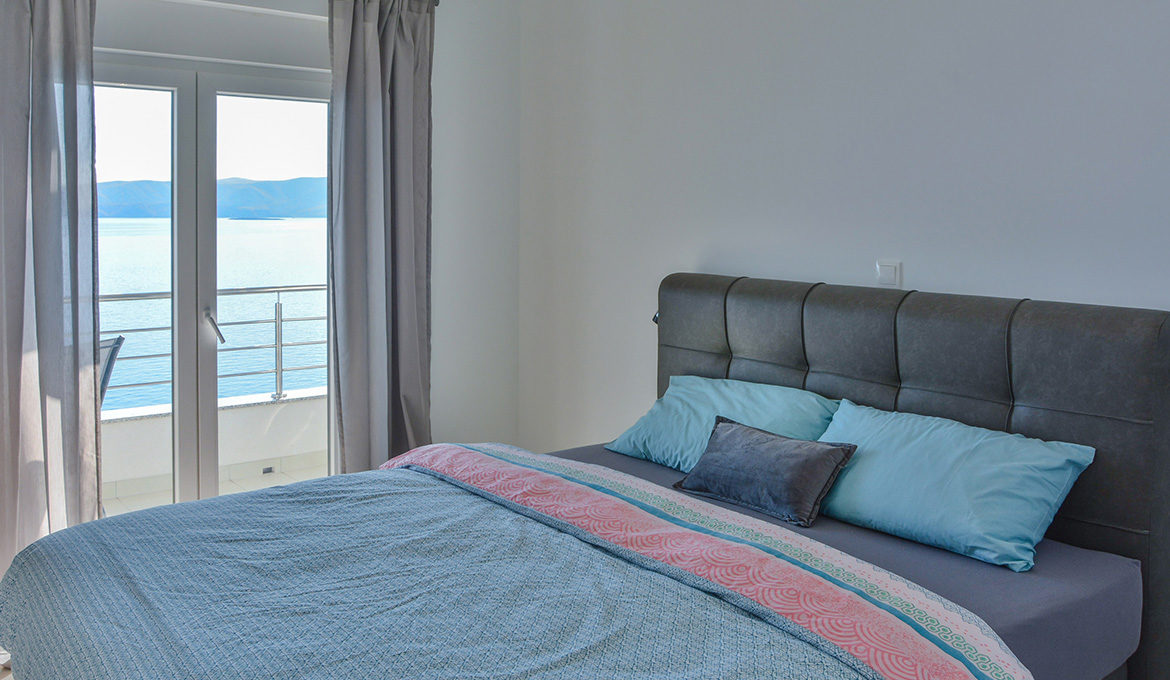 Penthouse Apartment 1 with Seaview